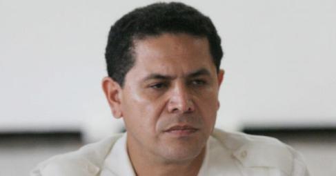 Renuncia Greg Sánchez a la candidatura al Senado