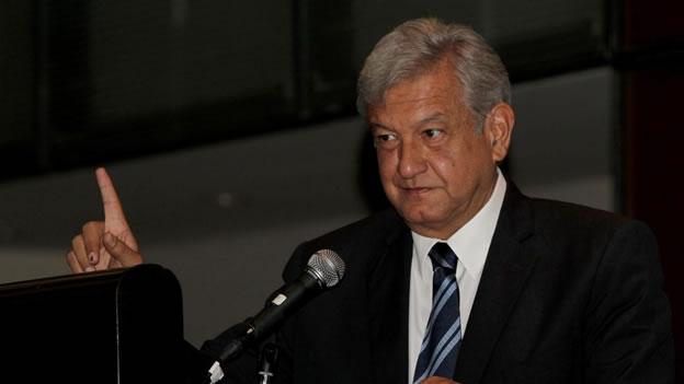 """Convoca AMLO a la defensa del petróleo con manifestación en el Zócalo; quieren """"robarse"""" los excedentes petroleros, acusa"""