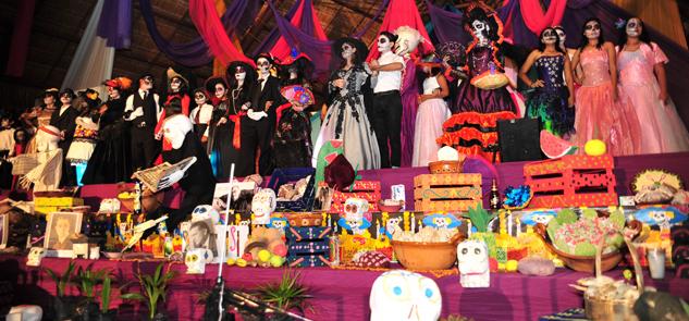 Realizan vistoso festival del Día de Muertos