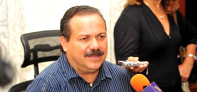 Va Julián Ricalde al DF para gestionar 400 mdp para obras en Cancún