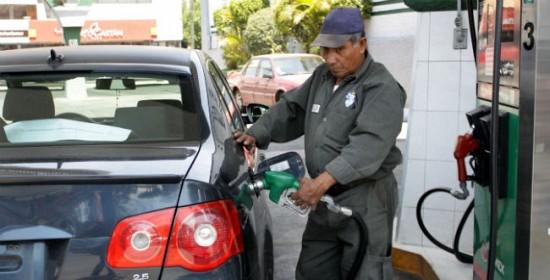 Por irregularidades, clausuran 50 bombas de gasolina en 8 estaciones de QR