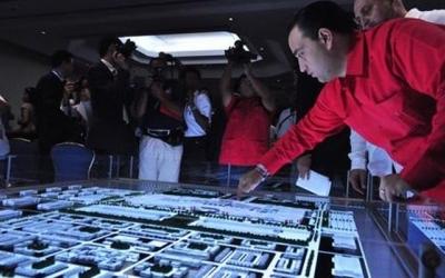 Presenta 'Dragon Mart' 2 propuestas diferentes para el mismo polémico proyecto, exhiben