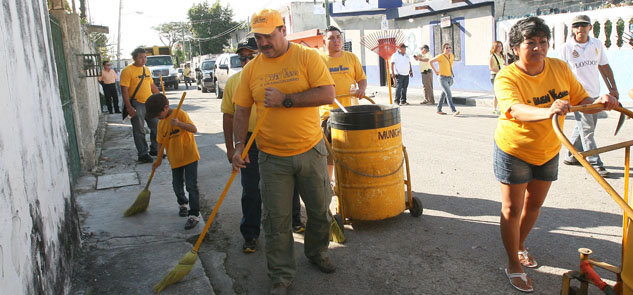 Reconocen acciones de gobierno de Julián Ricalde vecinos de la SM 67