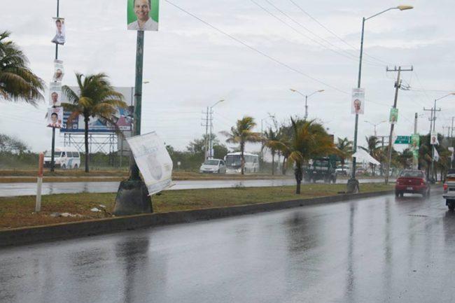 CAMPAÑAS: Destruyen propaganda de la perredista Graciela Saldaña en Cancún