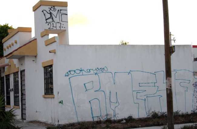 Provoca Gobierno de Borge conflicto artificial por recuperación de la comuna de casas abandonadas