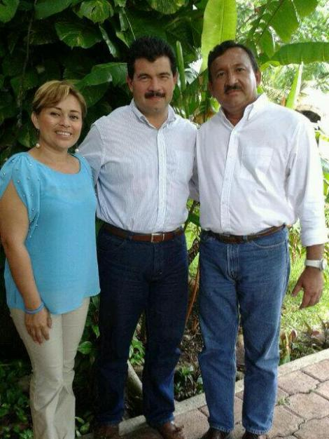 CAMPAÑAS: Reaparece el ex Alcalde Gustavo Ortega para apoyar candidaturas de Roberto Olán y Perla Tun en Cozumel