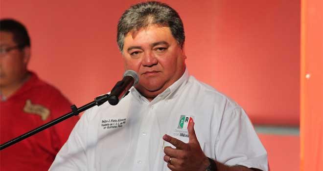 Dice Pedro Flota, líder del PRI, que nueva ley no restringe libertades, ni viola Constitución