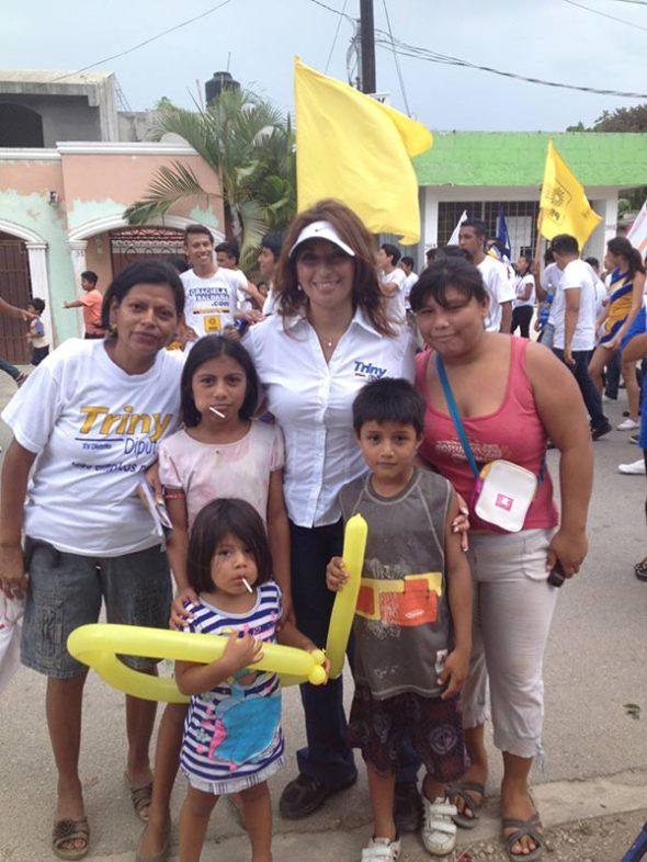 CAMPAÑAS: Visita Trinidad García a Leona Vicario junto con Graciela Saldaña