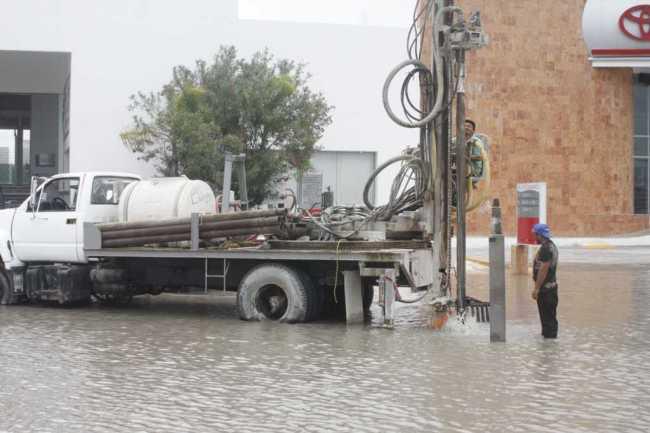 Inundaciones y lluvias desquician a Cancún