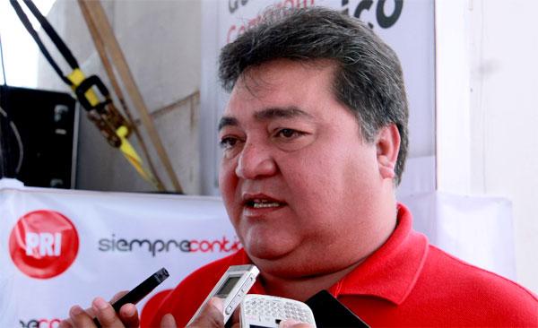 Acusa Pedro Flota a Noticaribe de orquestar una 'campaña negra' por publicar información sobre el supuesto robo de 1 mdp en una camioneta del Gobernador
