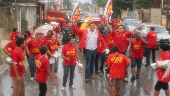 CAMPAÑAS: Buscan candidatos sacar 'raja' política de las lluvias e inundaciones en Cancún