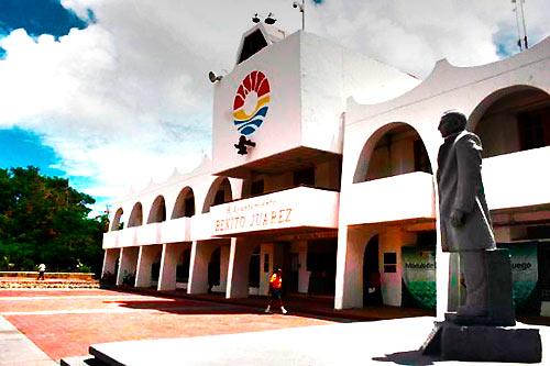 Inhabilita Contraloría municipal de Cancún a 3 ex funcionarios del Gobierno de Ricalde por supuestas irregularidades; uno más, destituido