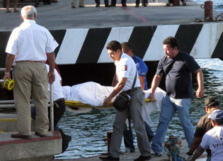 Muere por descompresión buzo en Cozumel cuando extraía coral negro
