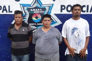 Capturan a trío de ladrones en Cancún, uno de ellos, taxista y ex policía
