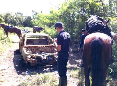 Hallan camioneta calcinada en paraje de la colonia Rancho Los Monos