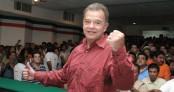 VILLAHERMOSA, TABASCO, 11ABRIL2006.-  Andres Granier Melo mejor conocido como ÒEl QuimicoÓ recibio esta d'a la constancia de mayoria que le otorgo el PRI Estatal, en la cual lo avalan como el candidato oficial para contender a la gobernatura por el estado en estas proximas elecciones. FOTO: Marco Polo Guzm‡n/CUARTOSCURO.COM