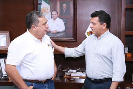 Se reúne Mendicuti con Alcalde de Cozumel para analizar la posibilidad de tener acceso a recursos del Fonden