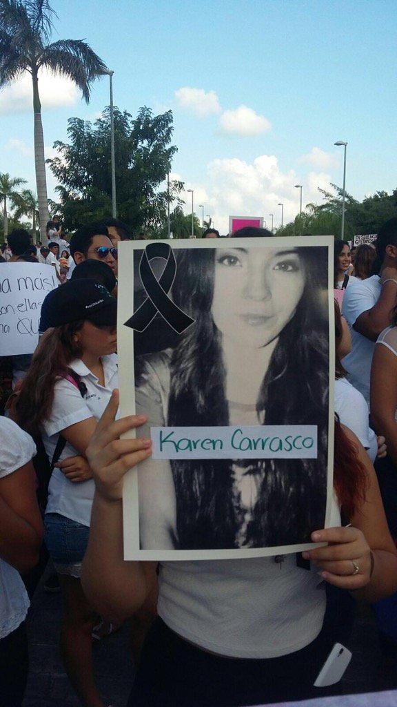 Marcha en Cancún por el asesinato de la universitaria Karen Carrasco.